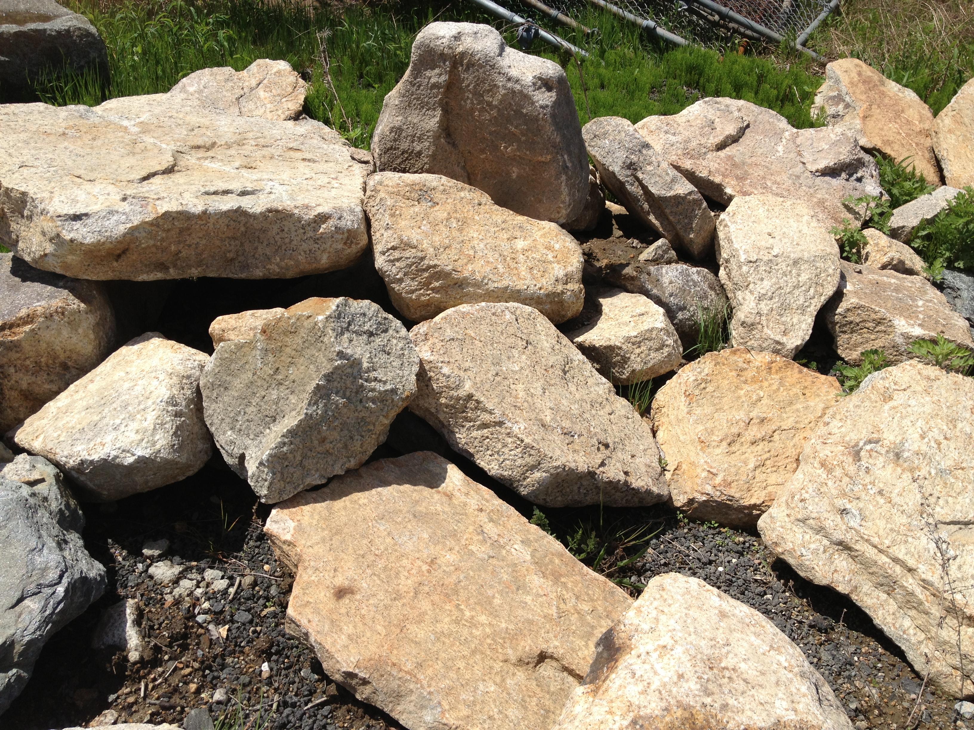 Natural Granite Rock : Natural flat stone boulders ton reis asphalt